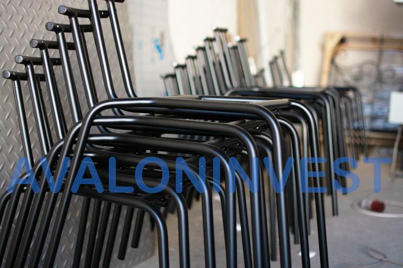 стулья из металла